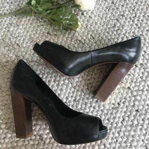 Tori Burch Lightly Worn Salon Shoe Size 6.5